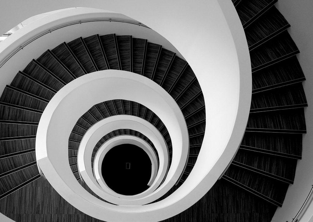 Escaliers en circulaire en béton plâtre - EscalierDesign Genève Suisse