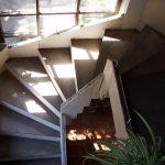 re escalier classique peut être revêtis d'un carrelage et munis d'une balustrade