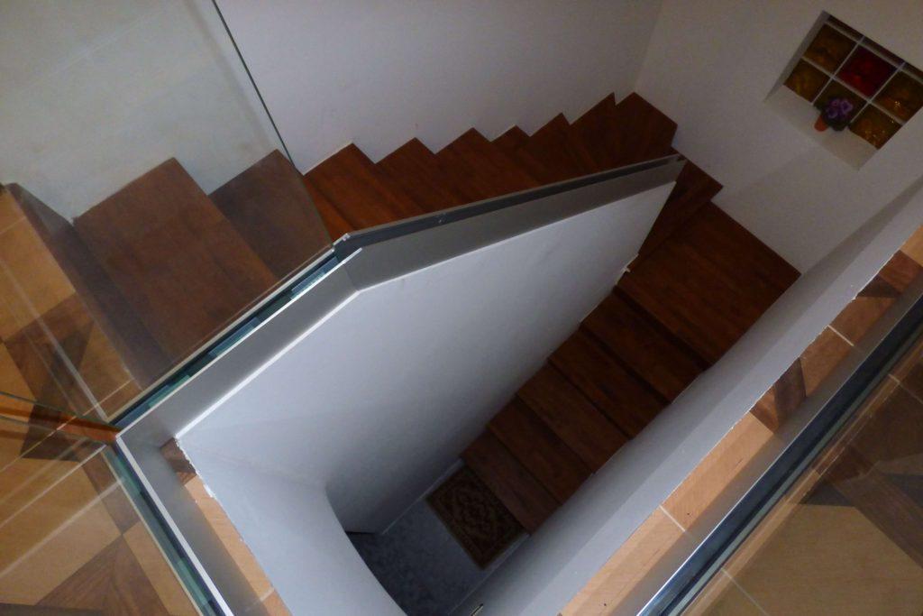 Escalier en U en béton-plâtre