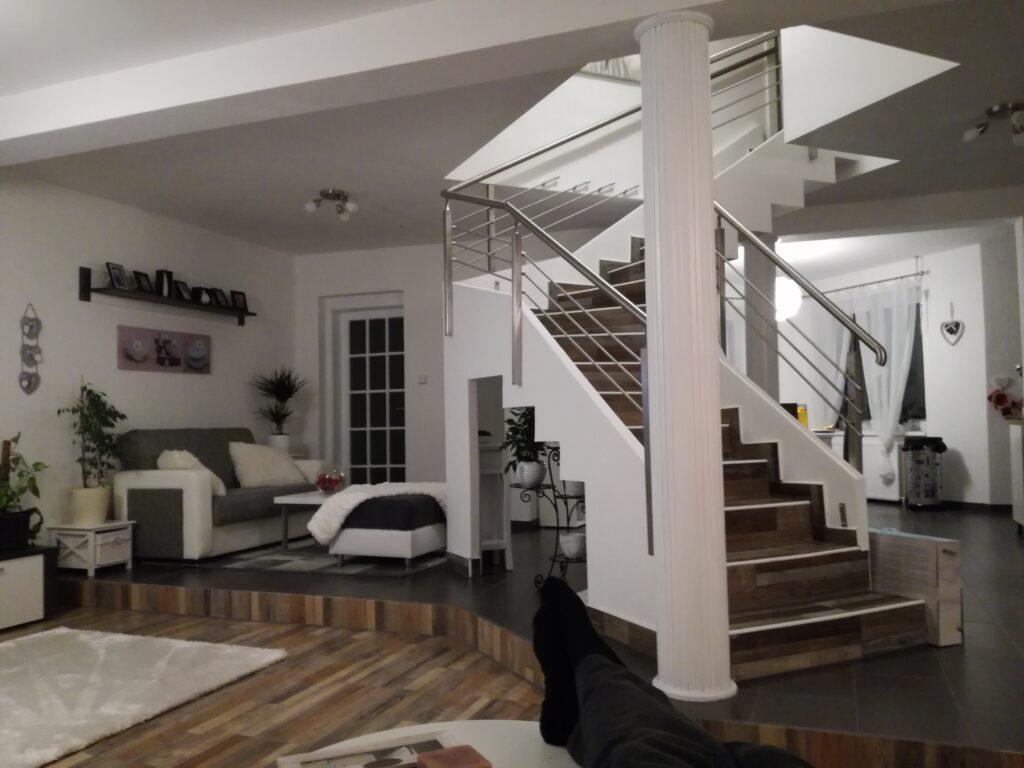 Escalier tournant en feuille de béton: un résultat élégant et design