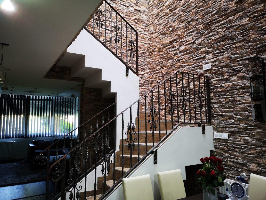 Escalier intérieur en feuille de béton construit en 1 à 3 jours.