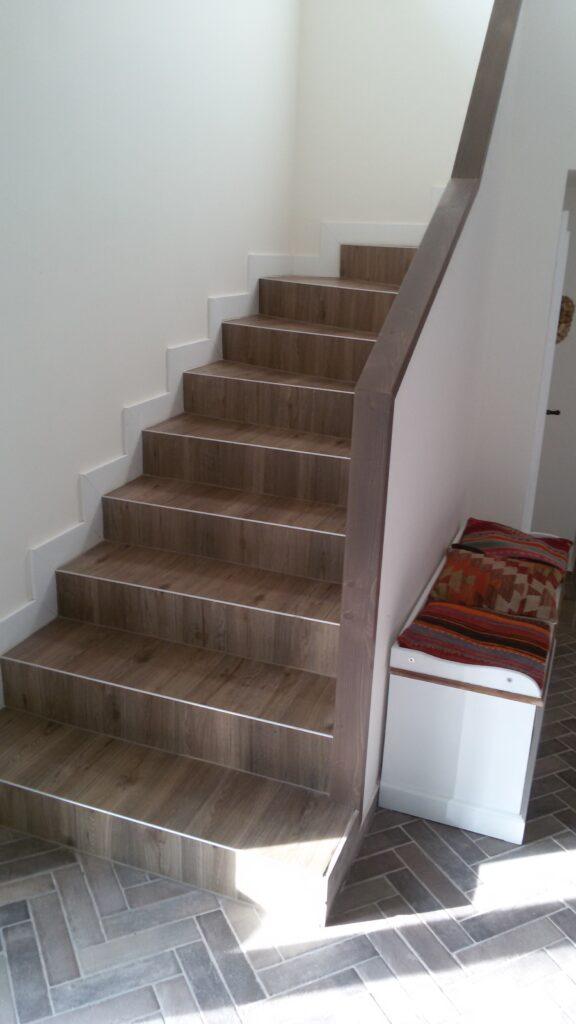 Escalier tournant en feuille de béton construit en 1 à 3 jours.