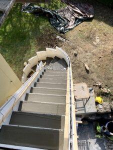 Construction d'escalie hélicoïdal et droit en 2 jours