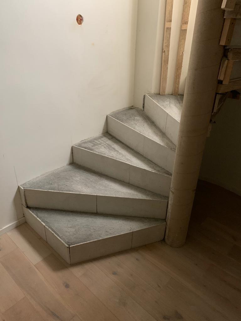 Construction d'escalier en fgeuille de béton à Genève