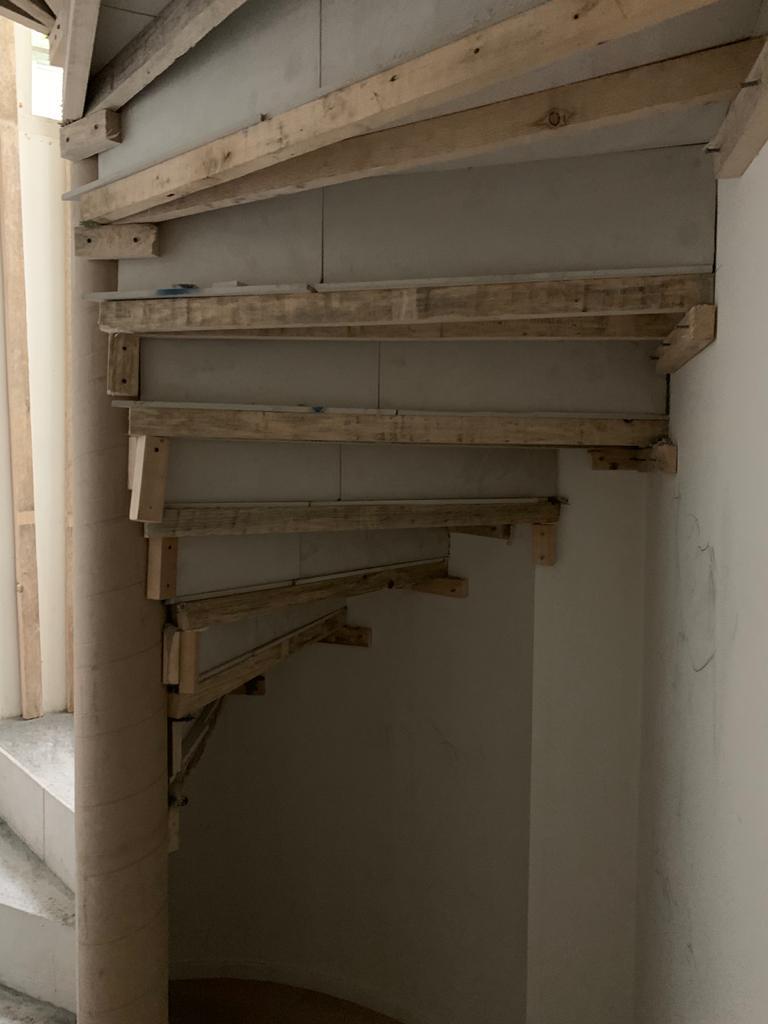 Escalier classique en feuille de béton réalisé à Genève