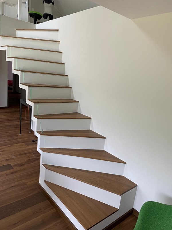 Escalier intérieur fin au meilleur prix en Suisse.