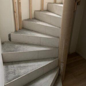 Escalier en colimaçon à Genève, en Romandie.