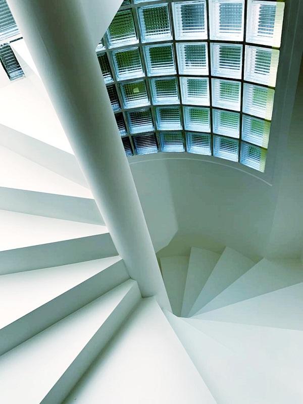 Escalier en colimaçon fabriqué en Suisse par Escalier Design Sàrl 888