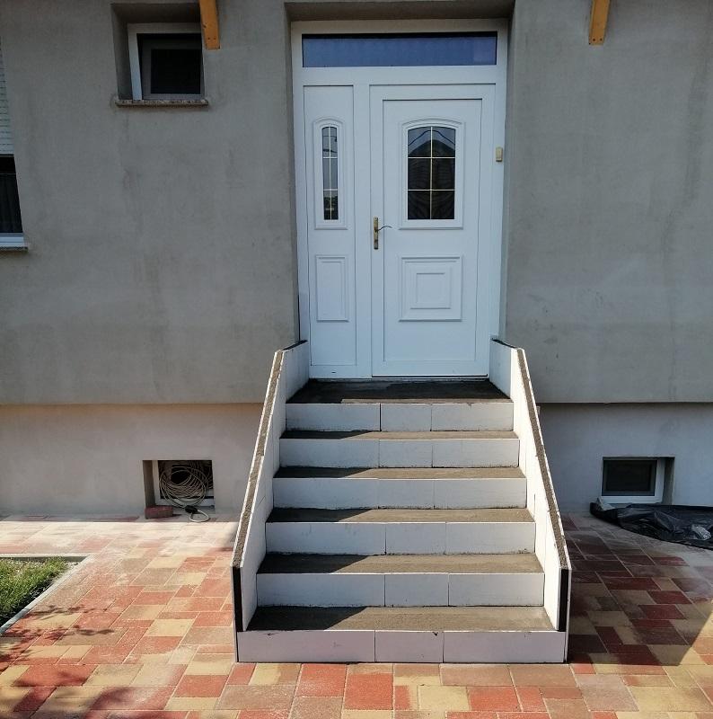 Escaliers droits en feuille de béton: un résultat design et élégant. Tarifs Avantageux.