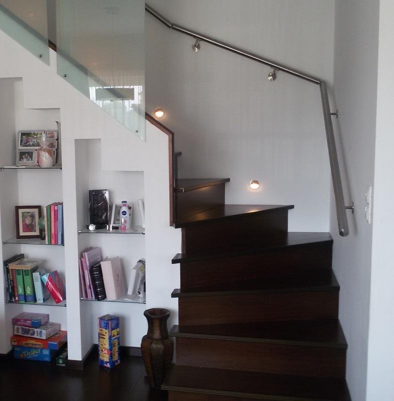 Escalier tournant en feuille de béton